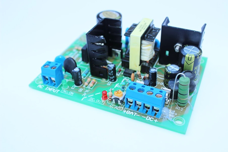 Fuente Switching AC/DC 40W Salida 24VDC con Ajuste Voltaje